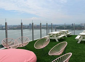 Hotel rooftop utilizes SYNLawn artificial grass