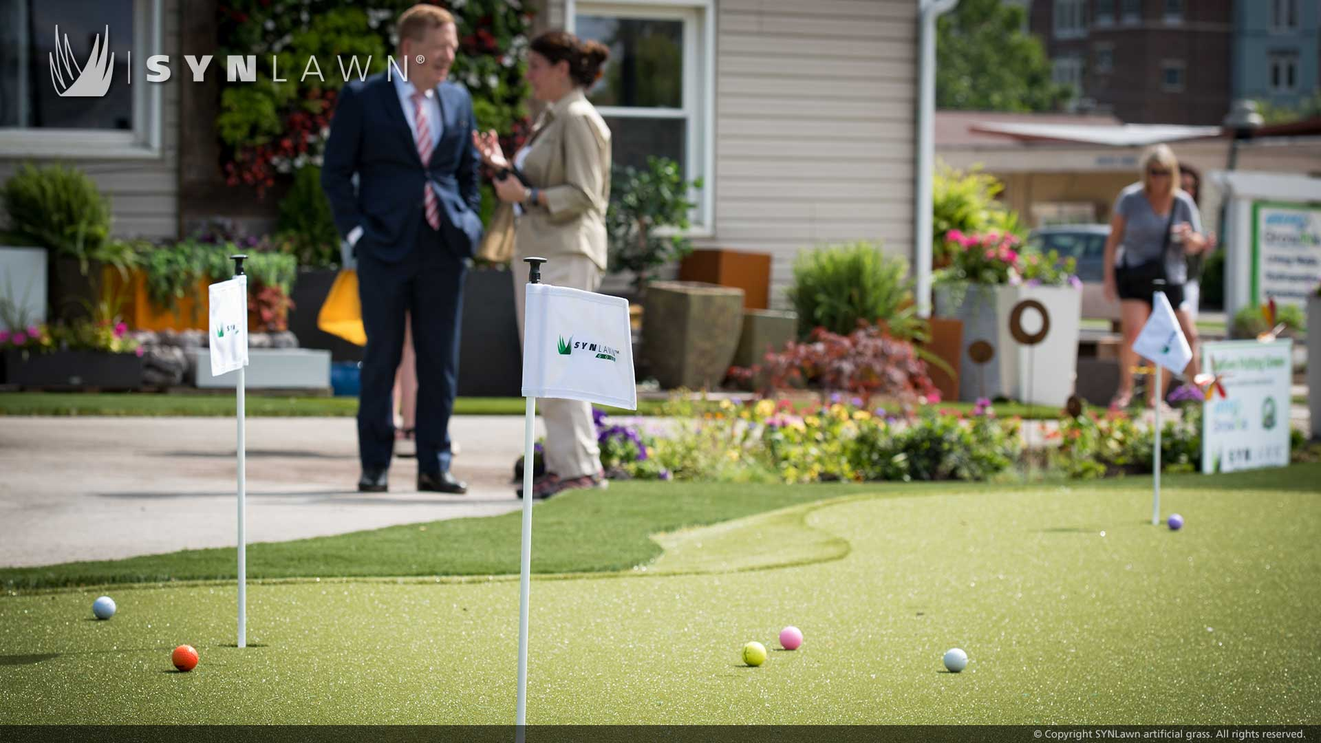 image of synlawn artificial grass putting green at great grow ins carmel indiana roundabout